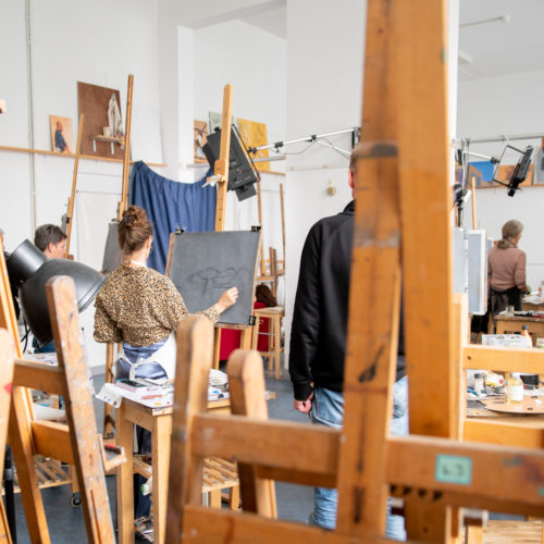 ezel klaslokaal les schilderen studenten