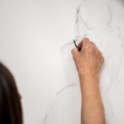 tekenen tekenles techniek houtskool model