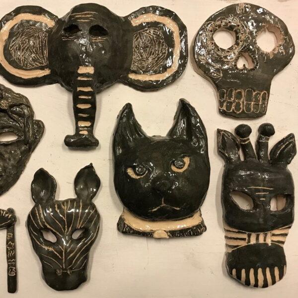 wackers jong afrikaanse maskers